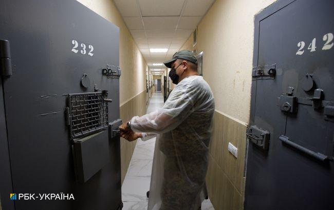 Правоохранители выявили канал поставки наркотиков в Одесскую исправительную колонию