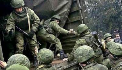 Вторжение маловероятно: Резников назвал скопление российских войск на границе
