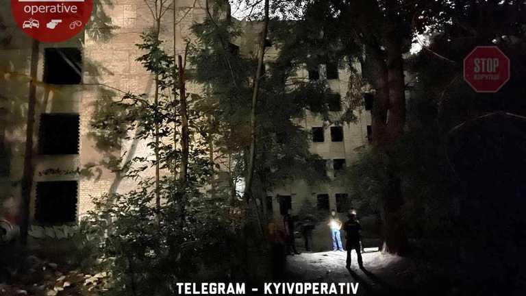 У Києві хлопець підірвав себе у недобудованій психлікарні