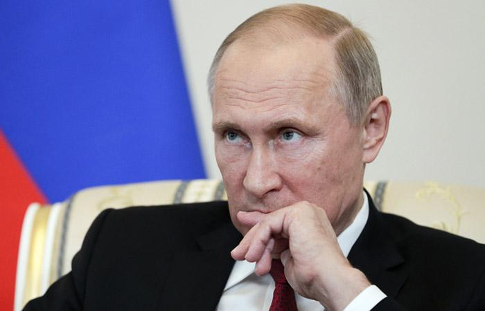 Путін назвав дату, коли збирається добудувати Керченський міст до окупованого Криму